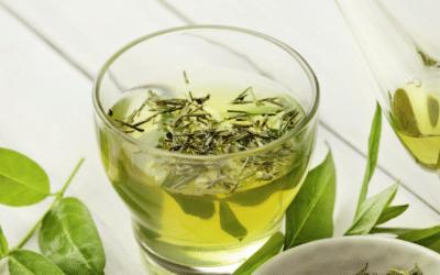 Grüner Tee mit Minze & Zitrone